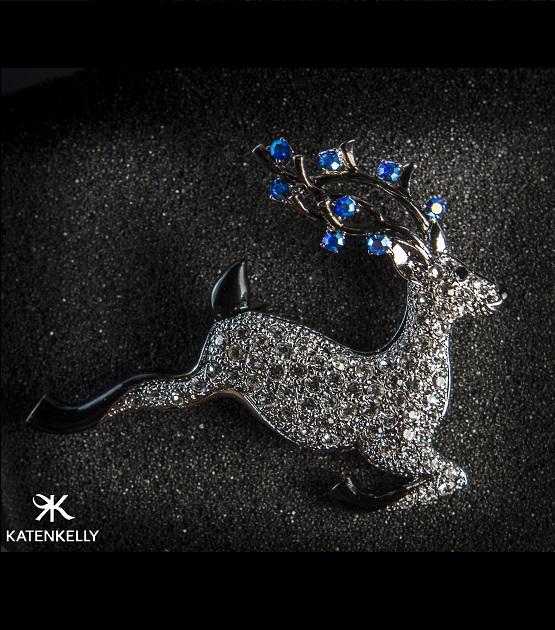 Cài áo reindeer